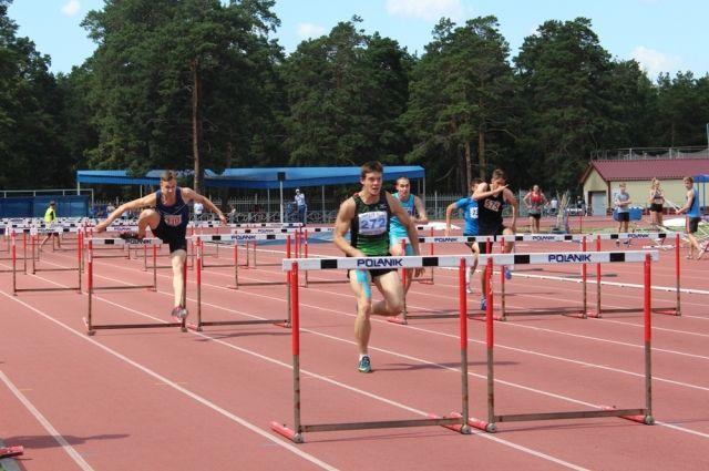 9 июля спортсмены пробежали серьезные дистанции на 800, 3000 и 5000 метров.