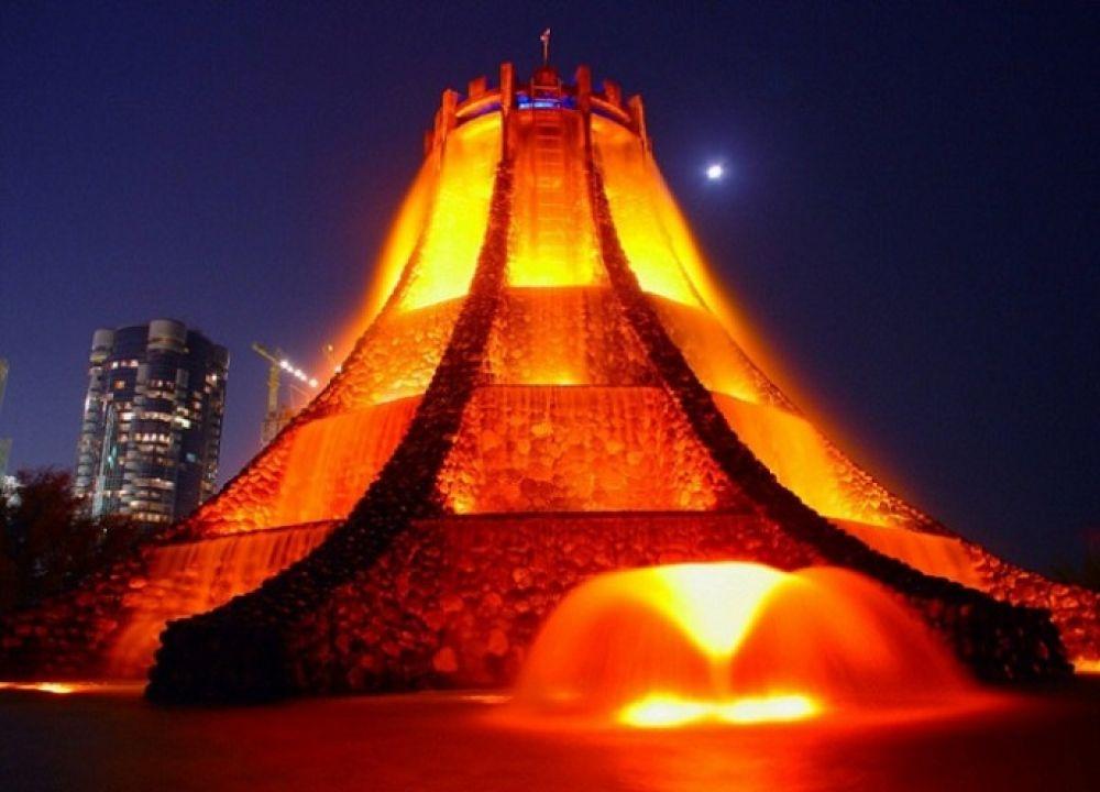 Вулкан-фонтан в ОАЭ