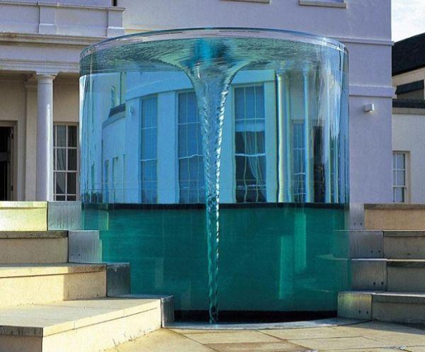 Британский фонтан-водоворот