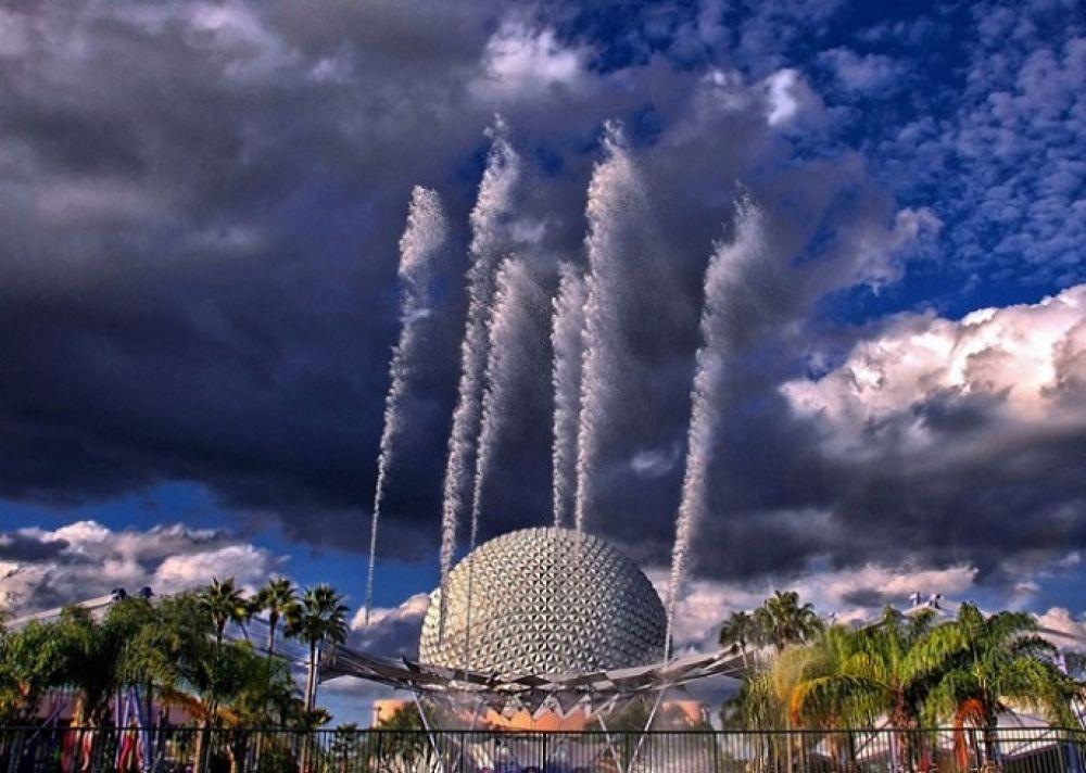 Американский музыкальный фонтан наций во Флориде