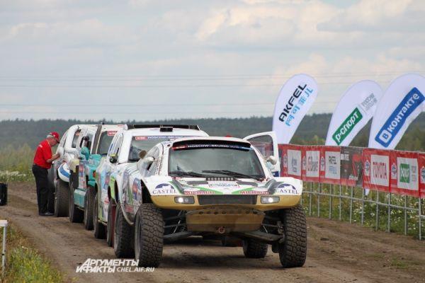 Участники ралли стартовали 8 июля в Москве и успели проехать Уфу и Казань.