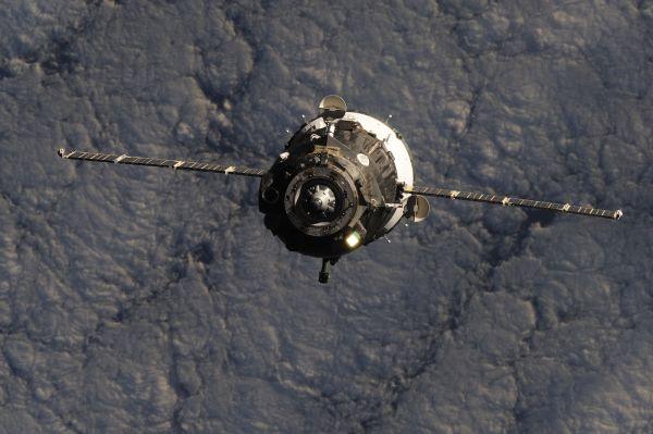 Процесс стыковки первого пилотируемого корабля новой серии «Союз МС» с Международной космической станцией.