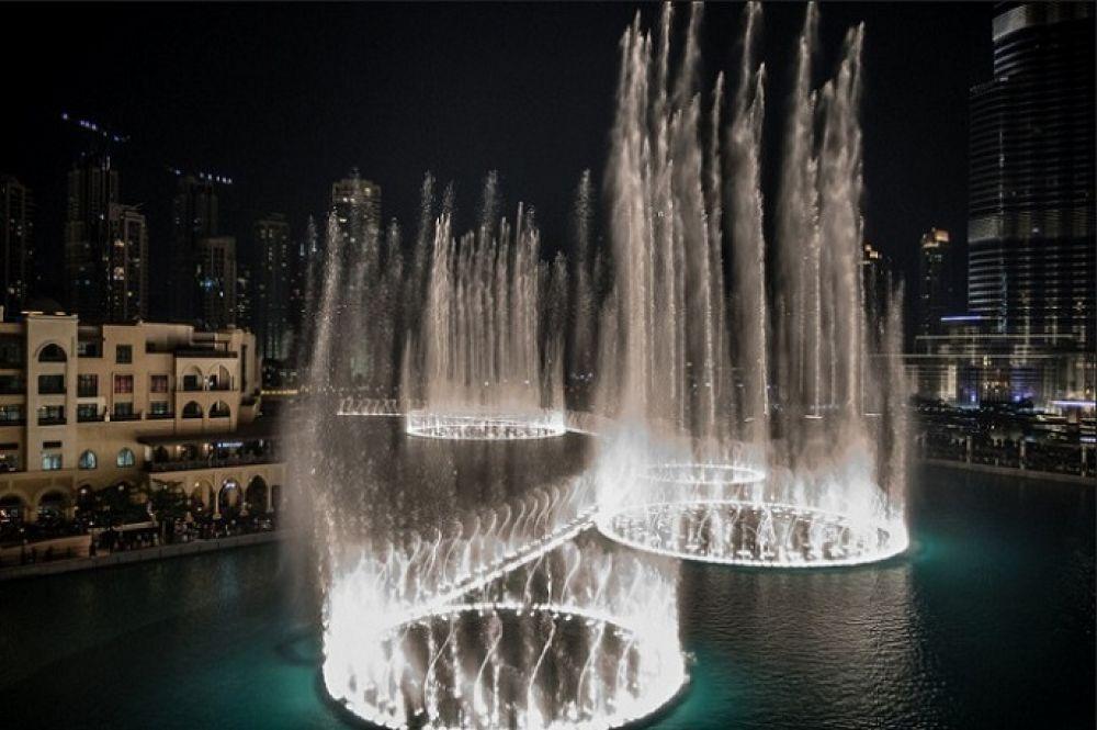 Дубайский поющий фонтан в ОАЭ