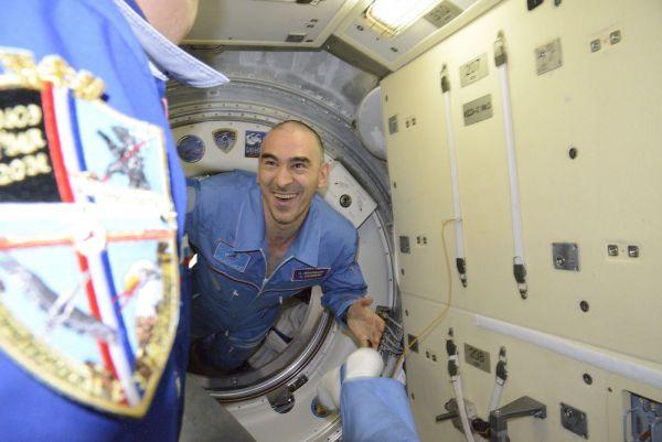 На станцию прибыли Анатолий Иванишин и Такуя Ониши.