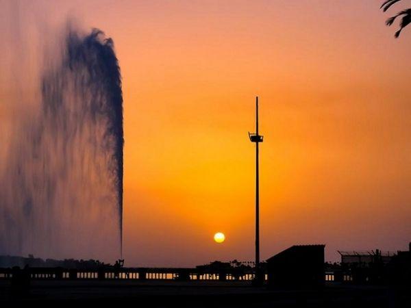 Самый высокий в мире - фонтан короля Фахда в Джидде, Саудовская Аравия