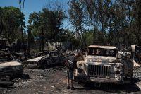 Автомобили в посёлке Лозовое выгорели после обстрела ВСУ в ночь на 5 июля.