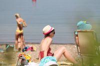 Если вы собираетесь на пляж на длительное время, то не поленитесь взять с собой что-то для перекуса.