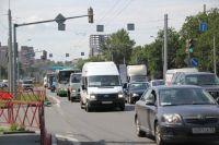 Пробки на Московском проспекте вызвали бурю возмущения у горожан.