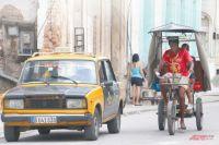 Кубинцы до сих пор ездят на старых советских «копейках». И ждут к ним запчастей.