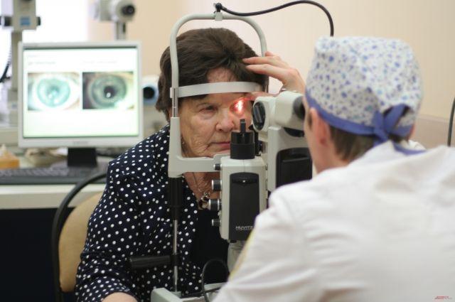 В кабинете оптометриста выявляются предвестники заболеваний глаз.