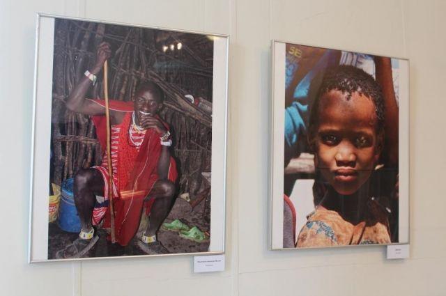 Помимо фотографий автор поделился с музеем и другими предметами, которые привез из далекой страны.