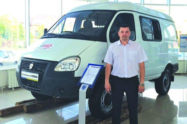 Управляющий центром Владимер Сюзев готов лично помочь с выбором каждому клиенту.
