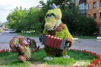 Неизвестные повредили 5 городских цветочных скульптур.