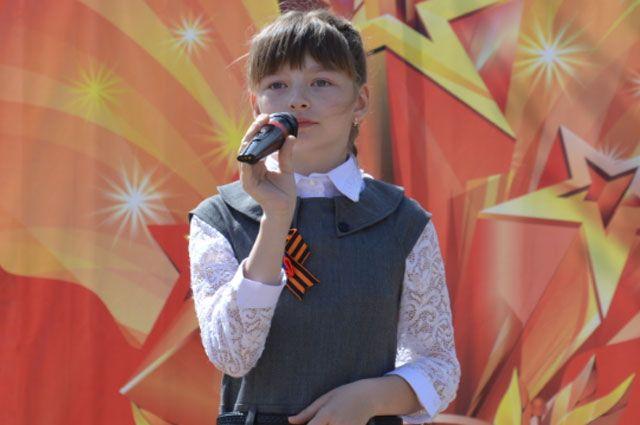 Даша мечтает выступать на большой сцене.