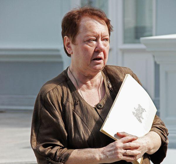 Заседующая музеем Елена Сергеева пообещала, что выставка продлится до февраля будущего года