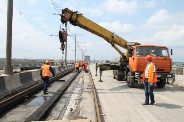 Движение трамваев поМолитовскому мосту откроется вконце лета