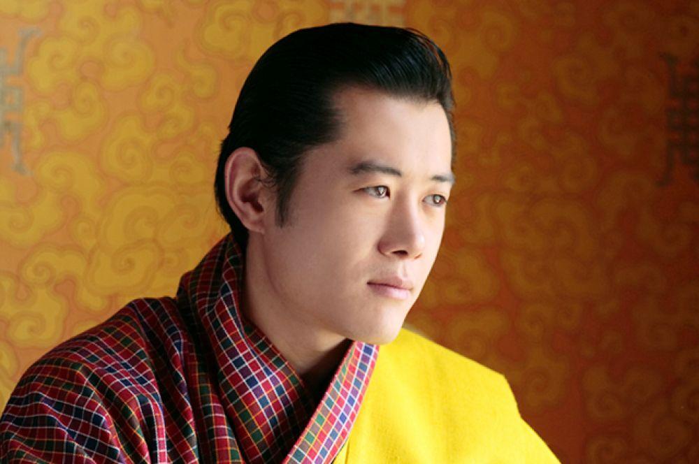 Джигме Кхесар Намгьял Вангчук — пятый король Бутана. Он являлся самым молодым из действующих монархов в мире до 25 июня 2013 года, когда эмиром Катара стал Тамим бин Хамад Аль Тани. Король также был самым молодым руководителем государства в мире до 2011 года, пока его не обошел Ким Чен Ын.