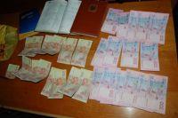 Педагог получила от ученика почти 4 тыс грн