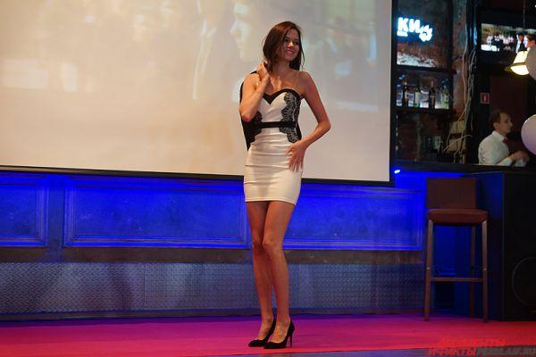 На финальное гала-шоу попали всего 23 красавицы.