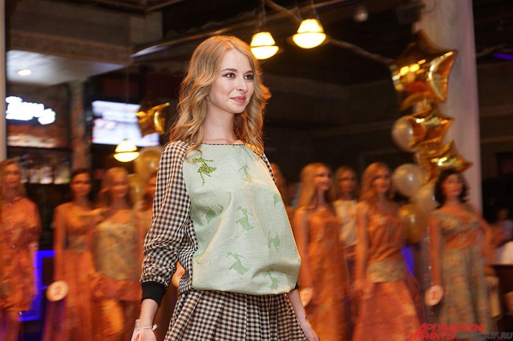 Завершающим этапом «Красы России» стало дефиле в дизайнерских нарядах.