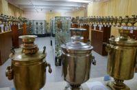 Почти все самовары из коллекции Ледовского - необычные.