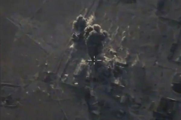 Были уничтожены три склада боеприпасов и вооружения, три танка, четыре боевые машины пехоты и крупный полевой лагерь боевиков в тех же пунктах.
