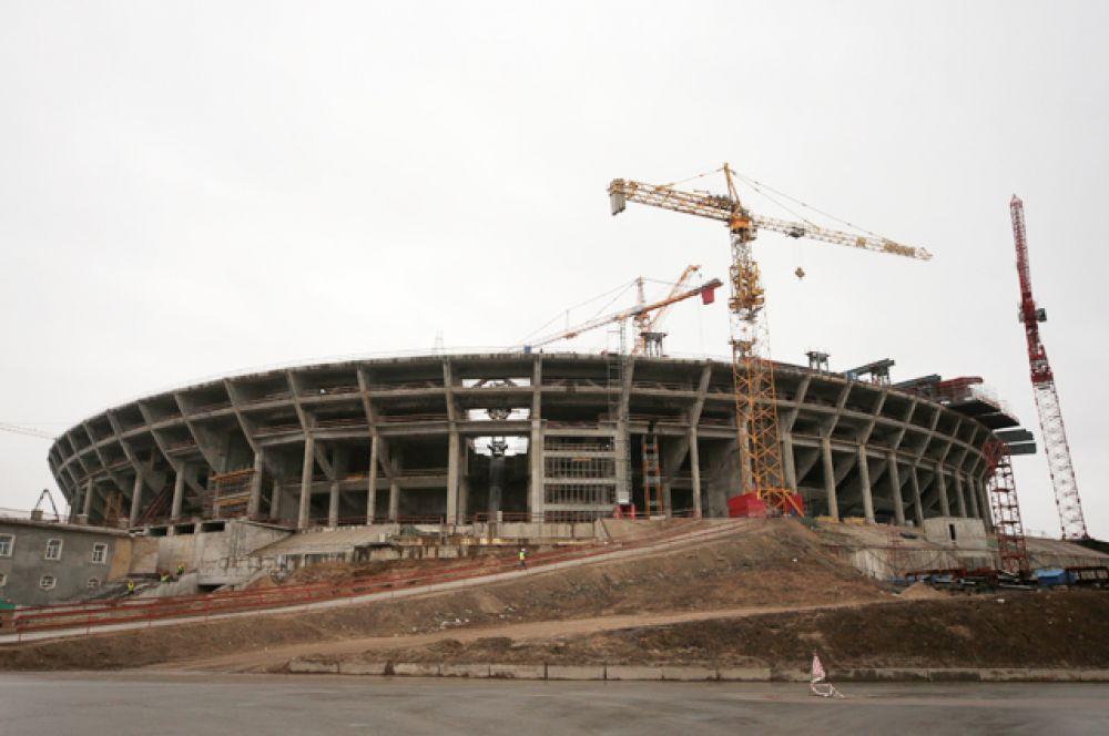 В декабре 2012 года председатель Комитета по строительству Петербурга Андрей Артеев заявил, что стадион будет сдан в эксплуатацию 20 октября 2015 года.
