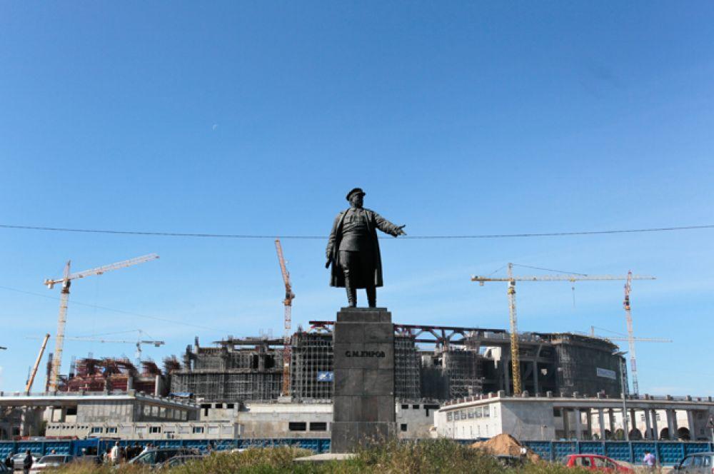В мае 2013-го председатель Счетной палаты РФ Сергей Степашин сообщил, что, скорее всего, стадион будет сдан либо в конце 2016-го, либо в начале 2017 года.