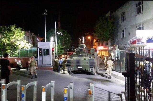 В Турции введено военное положение