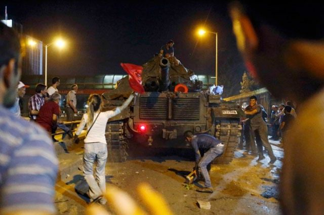 Сторонники Гюлена отвергли его причастность к военному перевороту в Турции