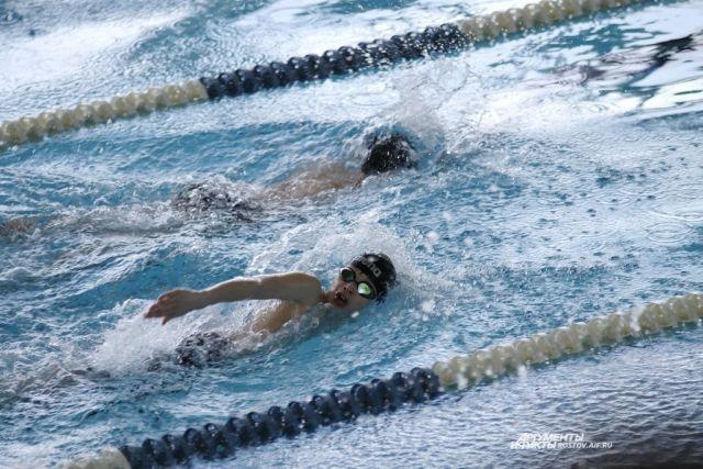 Акватлон - борьба спортсменов в воде.