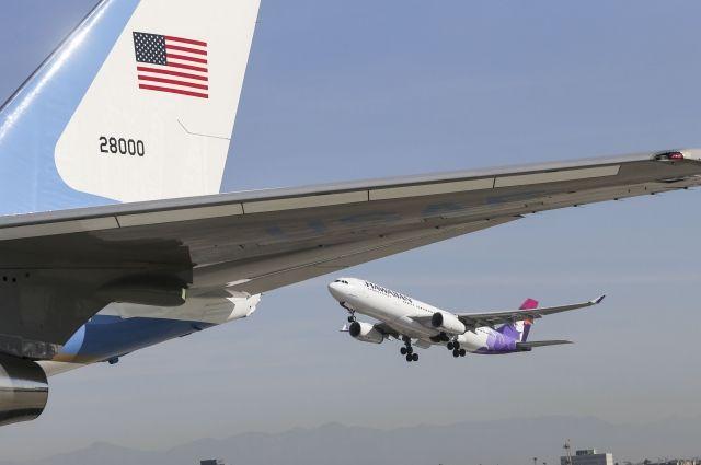 Пассажирский самолет Airbus A330 совершил экстренную посадку вТокио