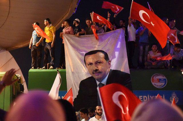 Анкара пересмотрит отношения сСША из-за Гюлена— Турецкий путч