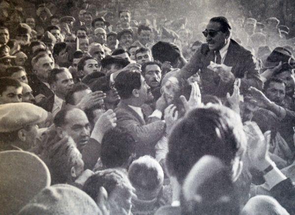 В сентябре 1961 года был повешен свергнутый премьер-министр Аднан Мендерес.