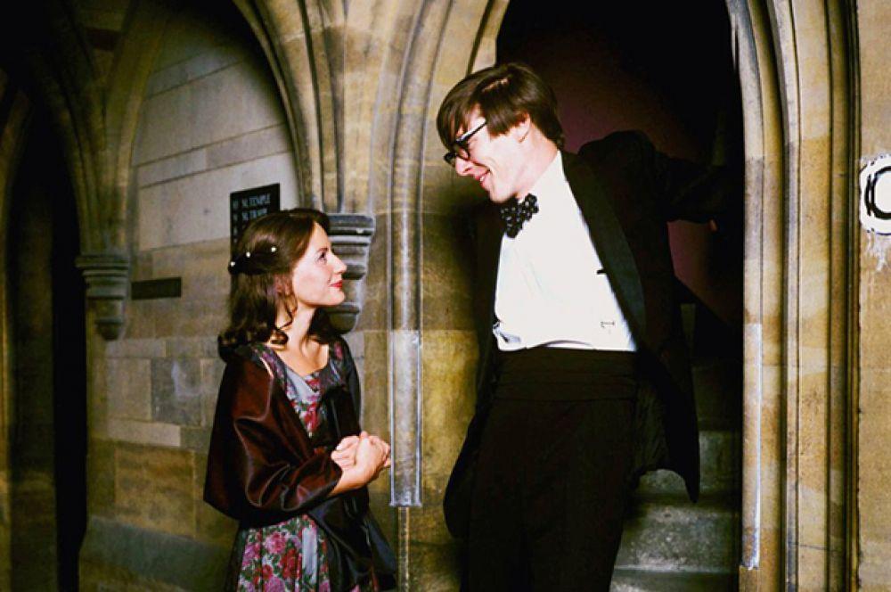 В 2004 году Камбербэтч сыграл роль Стивена Хокинга в одноимённом телесериале. За эту роль Камбербэтч был номинирован на премию BAFTA TV Awards как лучший актёр и получил «Золотую нимфу» за лучшую актерскую работу в телевизионном фильме.