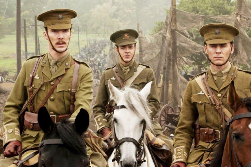 Камбербэтч принимал участие в съемках фильма Стивена Спилберга «Боевой конь» (2011).
