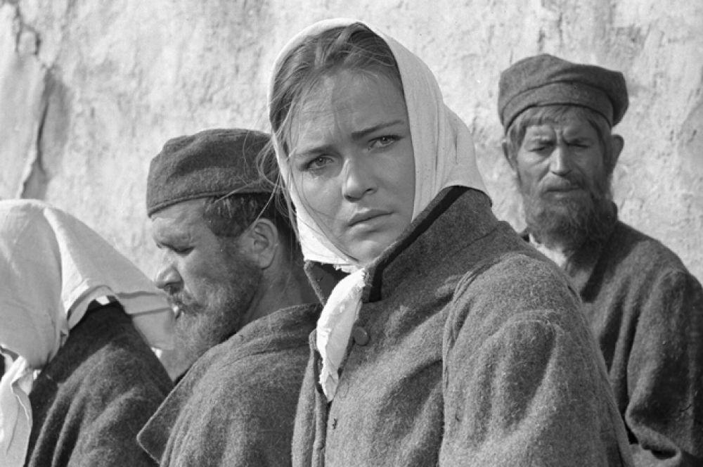 Людмила Чурсина в художественном фильме «По Руси» режиссёра Федора Филиппова, 1968 год.