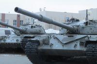 Омичи увидят боевые машины во всей красе.