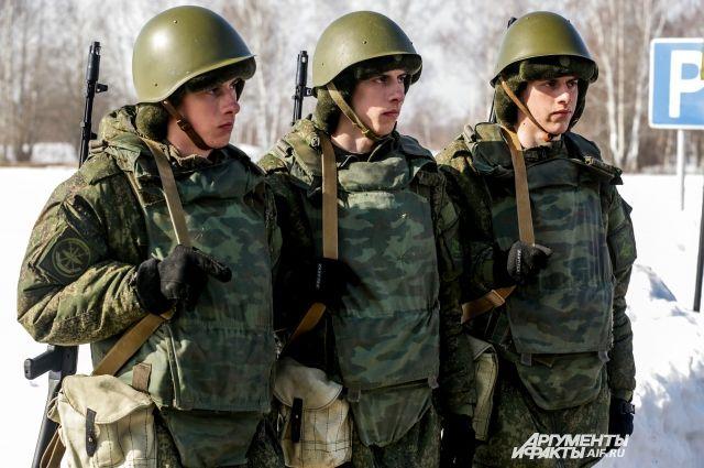 Отношения с армией и у «звезд» складываются по-разному.