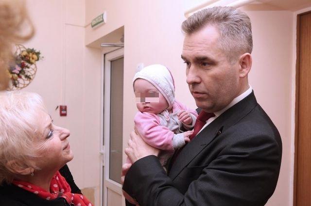 Павел Астахов предложил ввести принудительное лечение родителей-алкоголиков.
