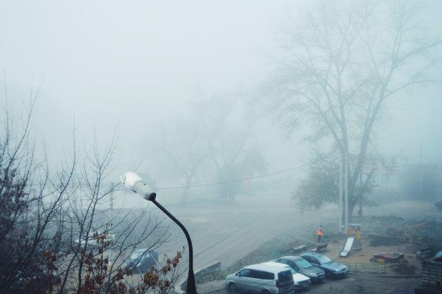 Причиной тумана могли стать лесные пожары.