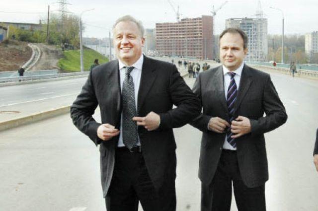 Игорь Шубин (слева) и Олег Чиркунов умеют одеться к месту и ко времени.