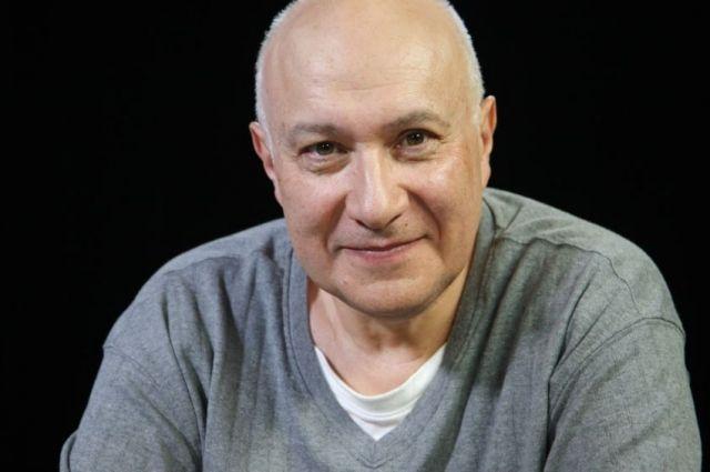 Матвей Ганапольский получил украинский паспорт