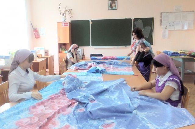 Постельное бельё, сшитое школьницами, реализуют в Волгограде.