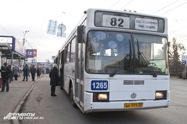 Дополнительные автобусы запустят в Омске в дни празднования 300-летнего юбилея.