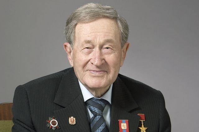 Александр Николаевич скончался на 93 году жизни.