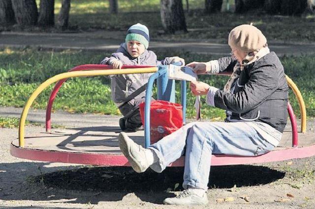 Разрастающийся микрорайон заселяют преимущественно молодые семьи.