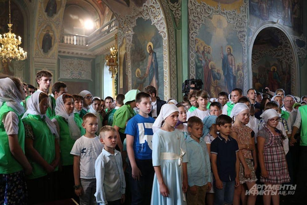 К 8 утра Благовещенский собор был полон.