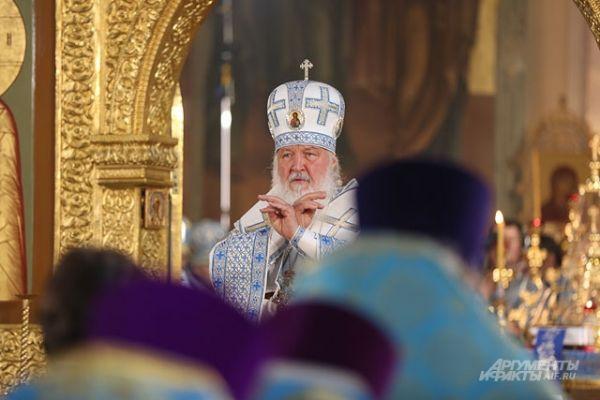 Божественная литургия в Благовещенском соборе Кремля началась в 9.30 и продлилась два часа.