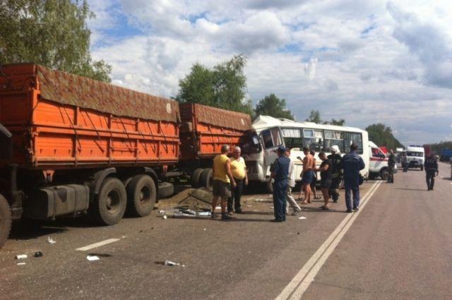 ВДТП ПАЗа сКамАЗом под Воронежем один погибший, 12 пострадавших